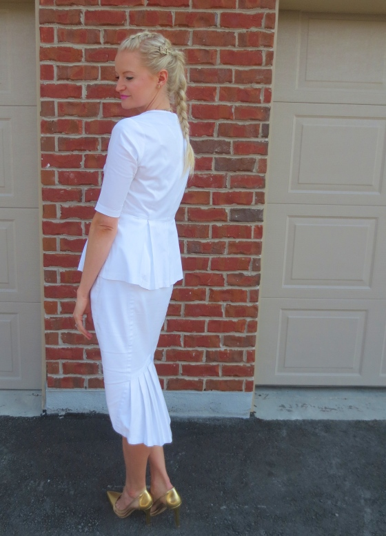 chic white outfit